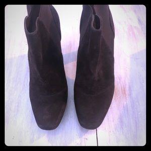 Women's suede brown boots